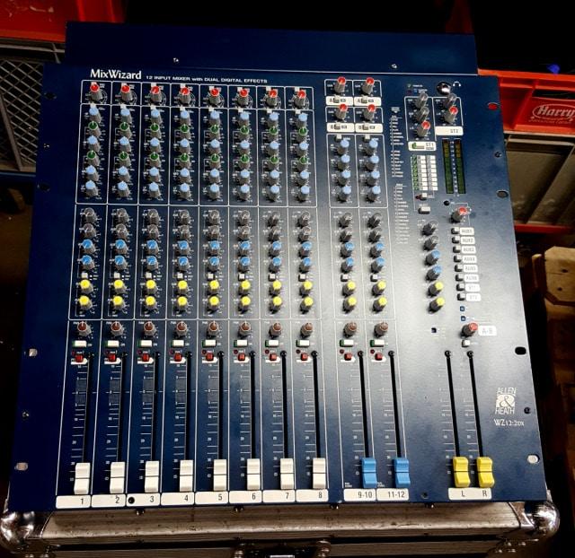 Ref 2118 Allen Heath WZ12 DX 1